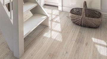 How to clean and take care of engineered wood floors | Kährs