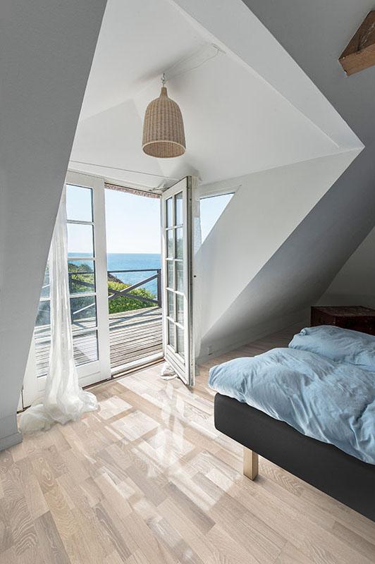Scandinavian Delight Light And White Wood Floors Khrs